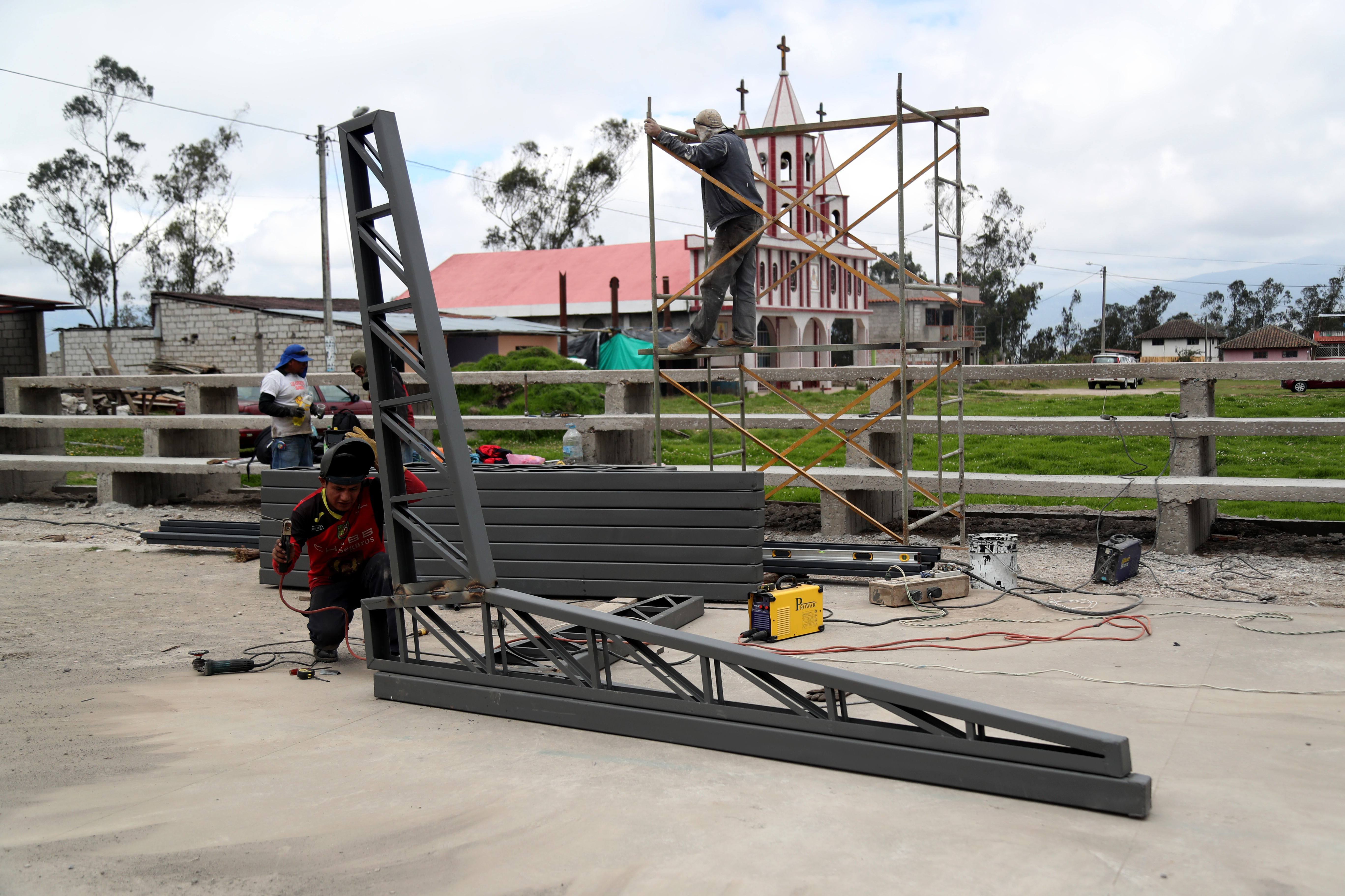 70% de avance general en la obra para el barrio Chacata El Carmen