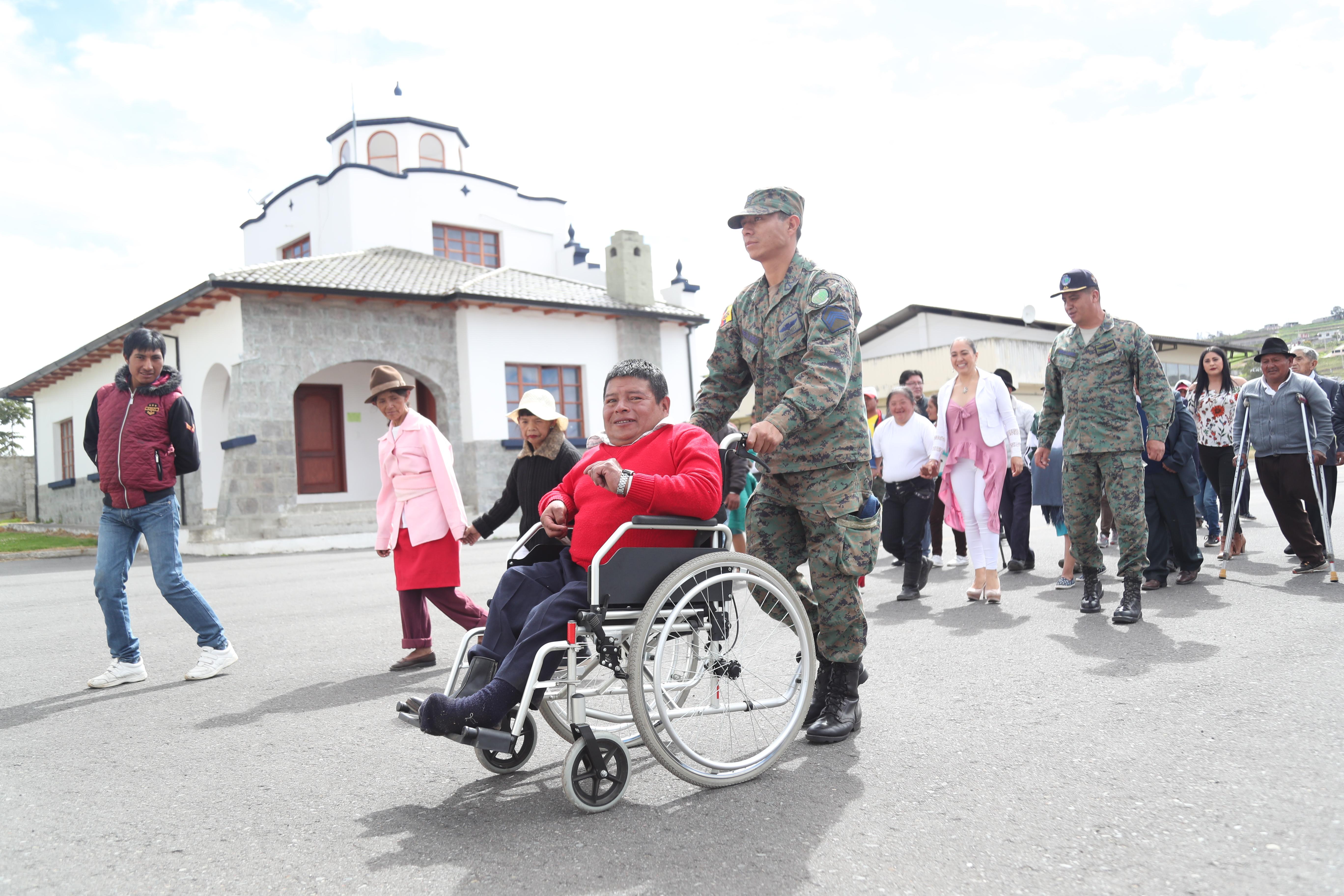 40 personas con discapacidad de Píllaro visitaron el CID – FAE