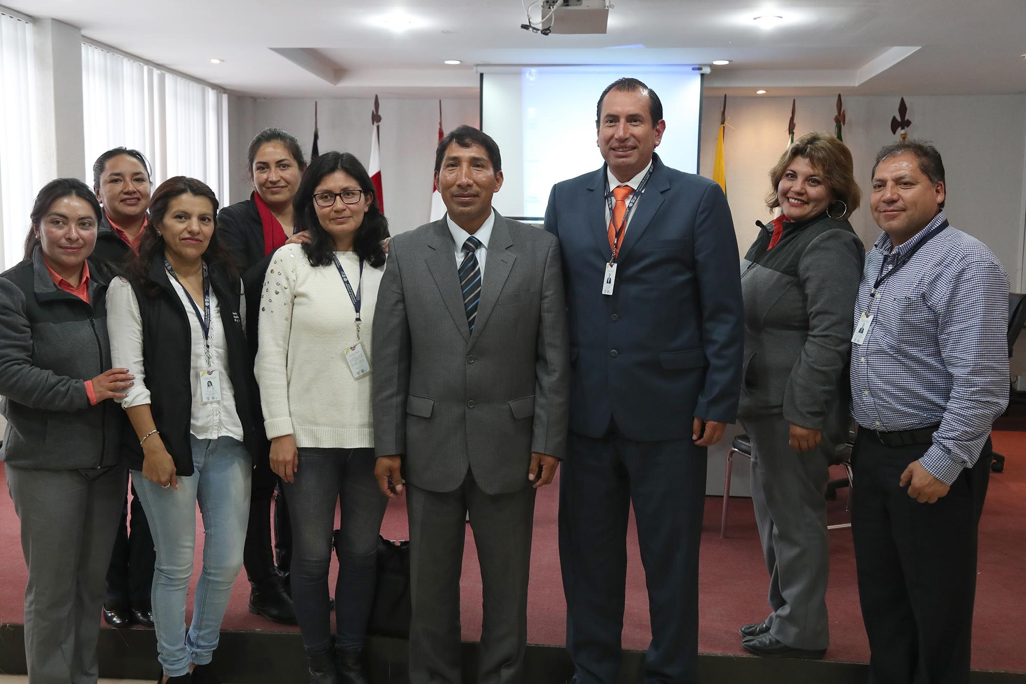 El Alcalde Francisco Yanchatipán se reunió con funcionarios del MIES