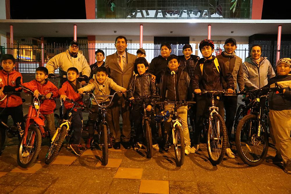 El Alcalde Francisco Elías Yanchatipán ratificó el apoyo para que continúe el Ciclopaseo nocturno