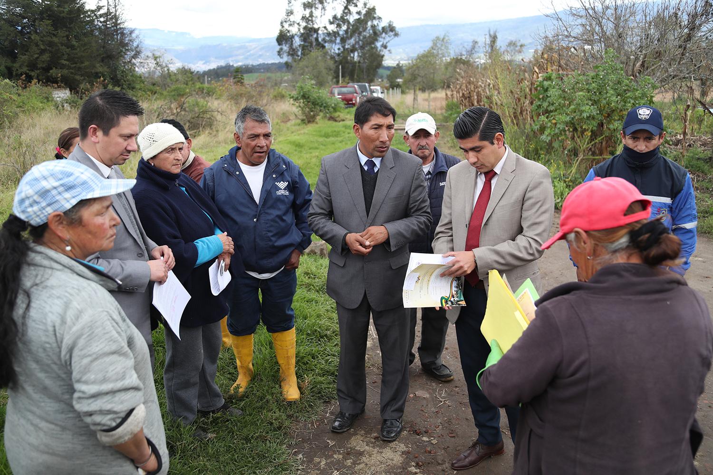 100 familias del barrio San Vicente se benefician de alcantarillado sanitario y la nueva red de agua potable