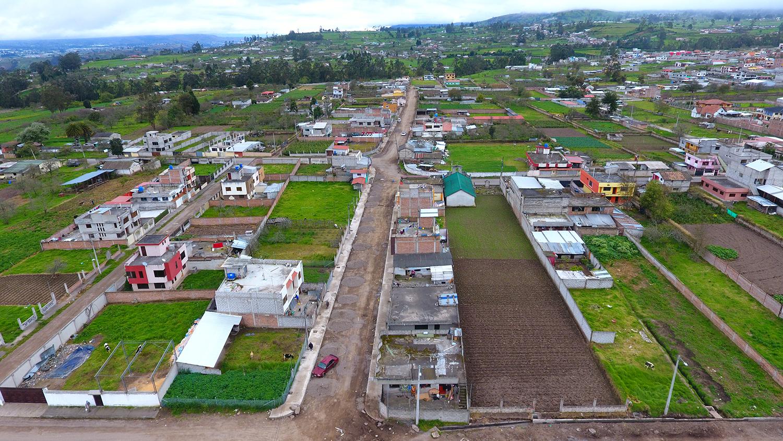 85% DE AVANCE GENERAL EN LA CONSTRUCCIÓN DE SERVICIOS BÁSICOS Y EL ASFALTO EN LA CALLE HÉROES DEL 41
